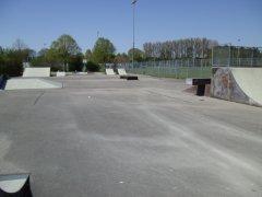 Grossansicht in neuem Fenster: Skateboardbahn Bonau - Bild 1